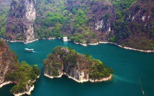 峰林峡姊妹湖
