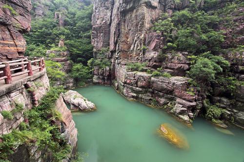 云台山地质公园红石峡
