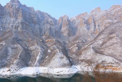 云台山迎来首场降雪