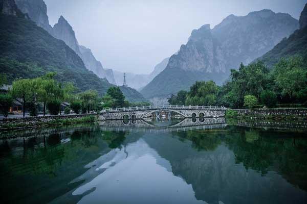 云台山自驾游路线潭瀑峡