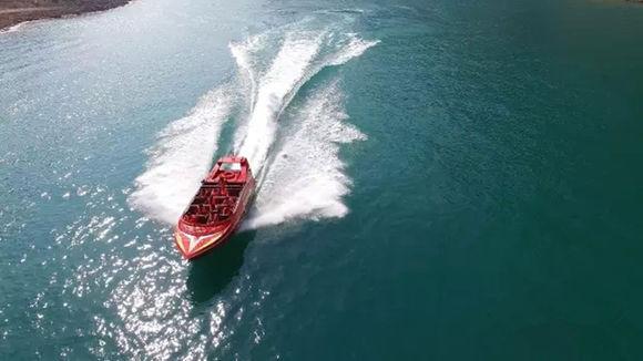 云台山水上动感飞艇