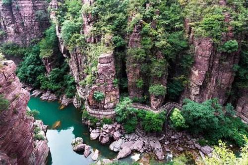 直升飞机看云台山红石峡