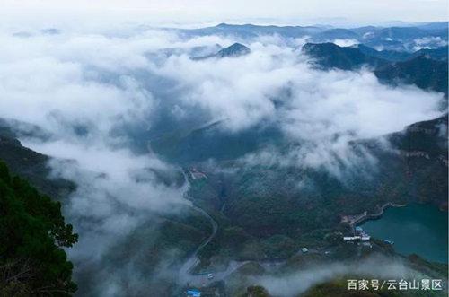 下雨游玩云台山