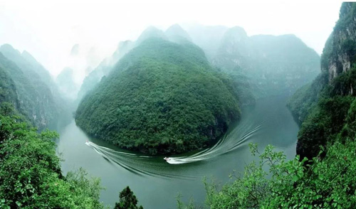 青天河大泉湖鲸鱼湾
